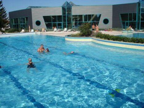 Piscine à la Châtre : le bassin découvert