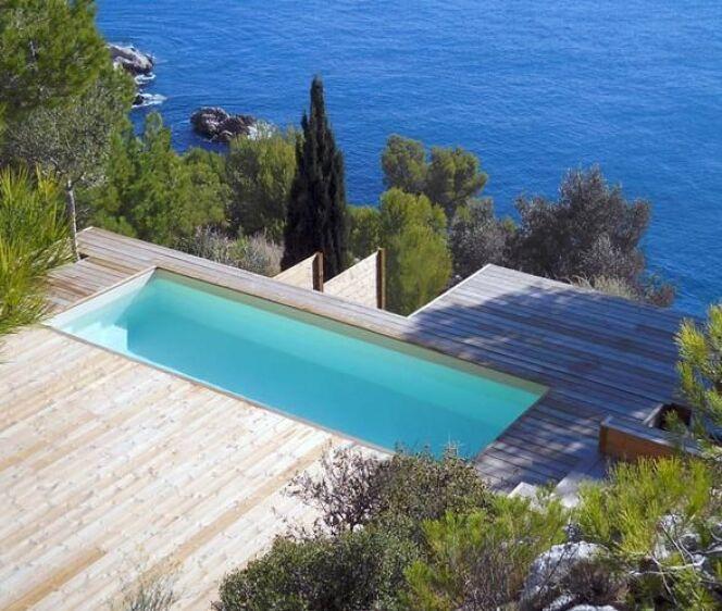 les plus belles piscines avec vue en photos admirez le paysage piscine cr photo 13. Black Bedroom Furniture Sets. Home Design Ideas