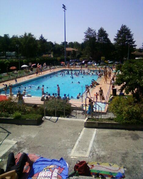 """La piscine d'Aurignac est une piscine de plein air.<span class=""""normal italic petit"""">DR</span>"""