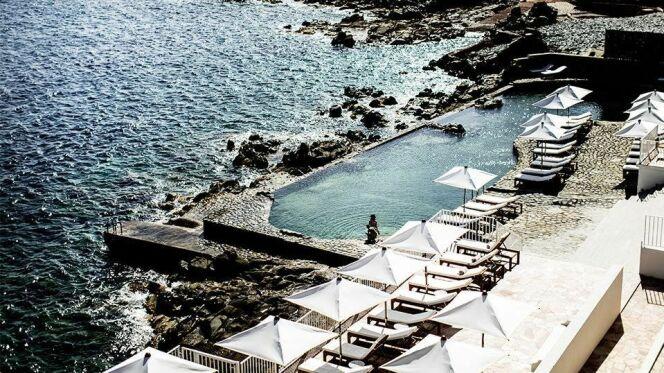 Piscine d'eau de mer de l'Hôtel des Roches Rouges à St-Raphaël