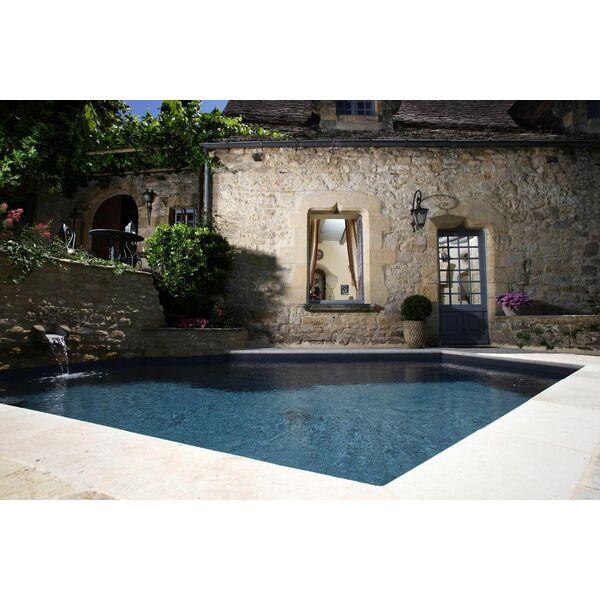 piscine dans un cadre rustique par l 39 esprit piscine. Black Bedroom Furniture Sets. Home Design Ideas
