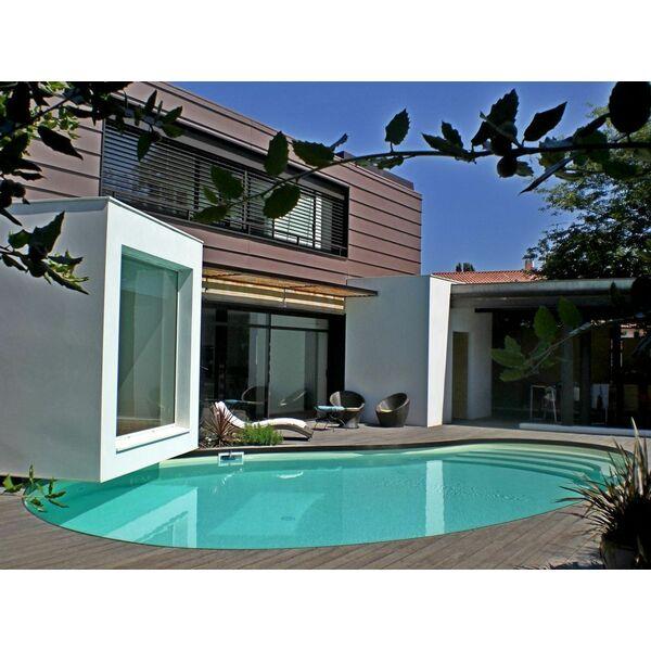 piscine de forme libre carr bleu piscine enterr e piscines carr bleu. Black Bedroom Furniture Sets. Home Design Ideas