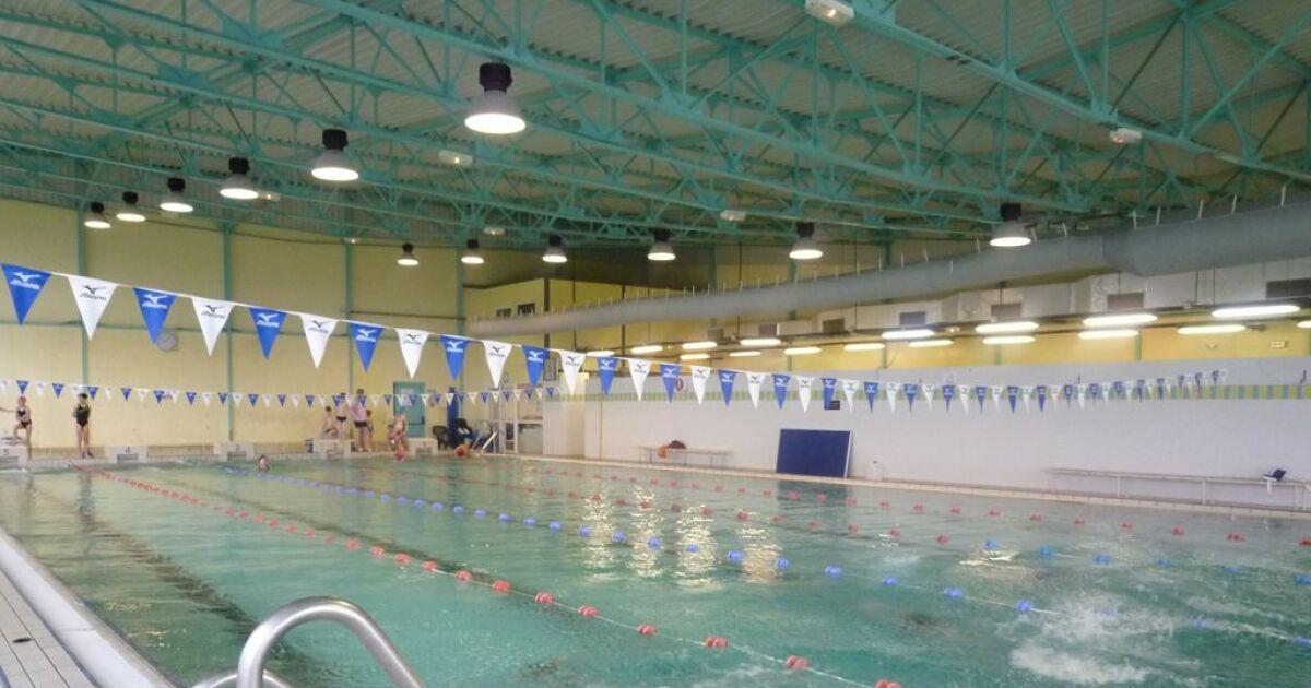 Piscine de la bretagne romantique combourg horaires for Bourg argental piscine