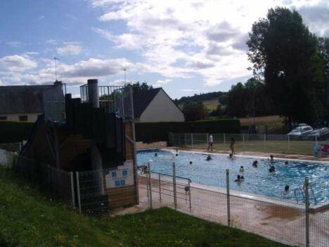 """La piscine de La Cheze est ouverte tout au long de l'été<span class=""""normal italic petit"""">DR</span>"""