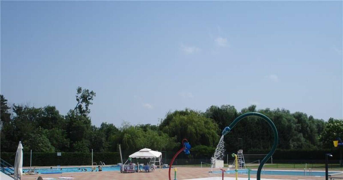 Avis et commentaires piscine de la moutte saint for Piscine saint geours de maremne