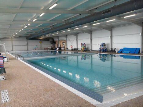 """Les deux bassins de la piscine de Lavit.<span class=""""normal italic petit"""">DR</span>"""
