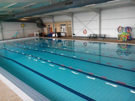 Piscine de Lavit de Lomagne : le bassin sportif.
