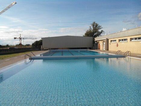Les 2 bassins extérieurs de la piscine de Lavit de Lomagne