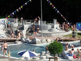 La pataugeoire de la piscine à Teningen