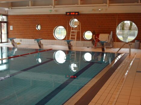 "La bassin de natation de la piscine de Valdahon<span class=""normal italic petit"">DR</span>"
