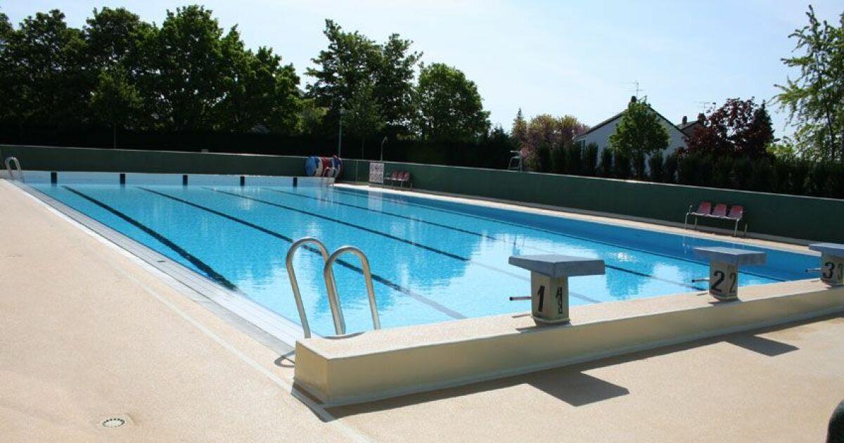 Piscine de villepreux horaires tarifs et t l phone for Tarif de piscine