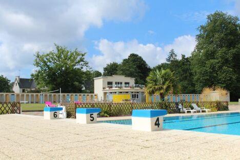 "Piscine de Pontivy : les plots du grand bassin<span class=""normal italic petit"">DR</span>"