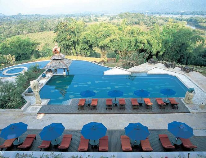 Piscine du Golden Triangle Resort, dans la forêt tropicale