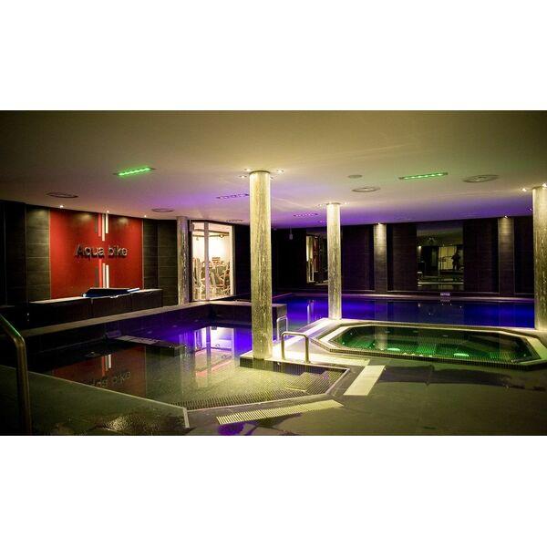 salle de fitness wellness sport club lyon horaires tarifs et t l phone. Black Bedroom Furniture Sets. Home Design Ideas