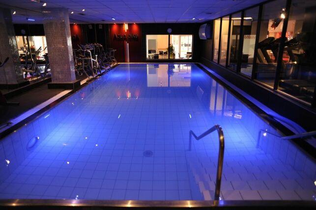 Piscine du Wellness Sport Club Gambetta, salle de fitness à Lyon