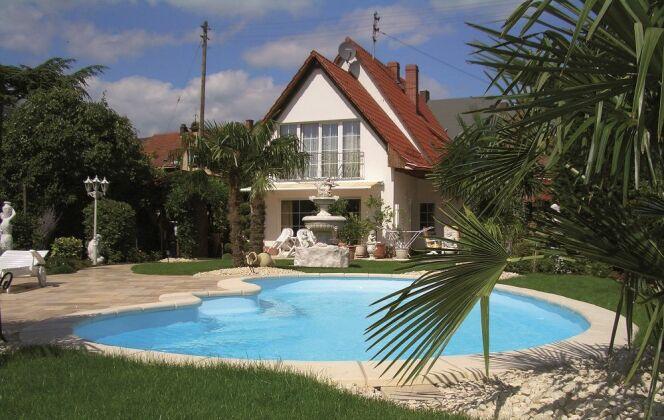 Modèle de piscine Elipsa © Piscines Groupe G.A