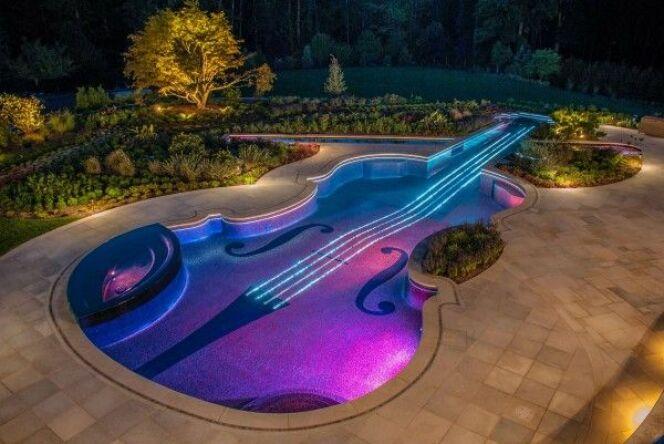 Piscine en forme de violon à Bedford (USA