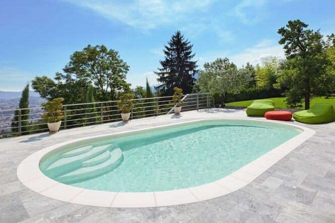 "Piscine en kit Elsa, avec son escalier Enjoy  <span class=""normal italic petit"">© Waterair</span>"