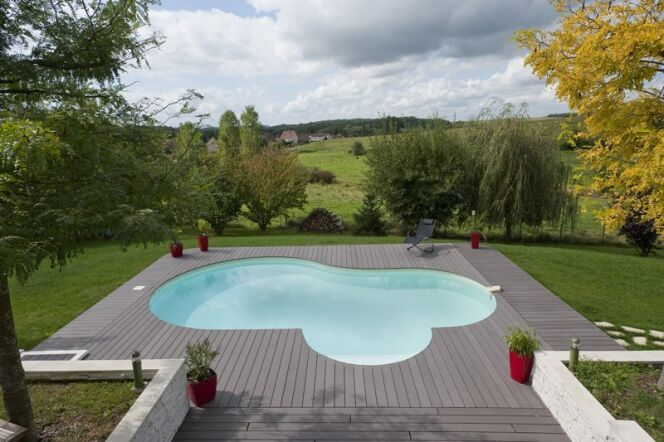 les plus belles piscines avec vue en photos admirez le paysage piscine en kit madeleine de. Black Bedroom Furniture Sets. Home Design Ideas