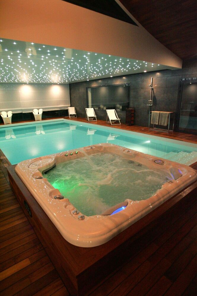 Unjourunepiscine mars 2017 piscine et spa photo 26 for Piscine miroir spa