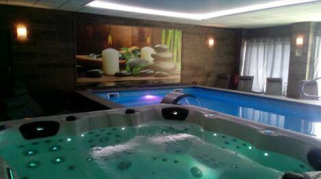 Piscine et spa au Spa Cocooning