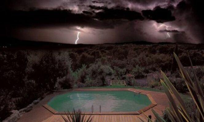 Piscine et tempête