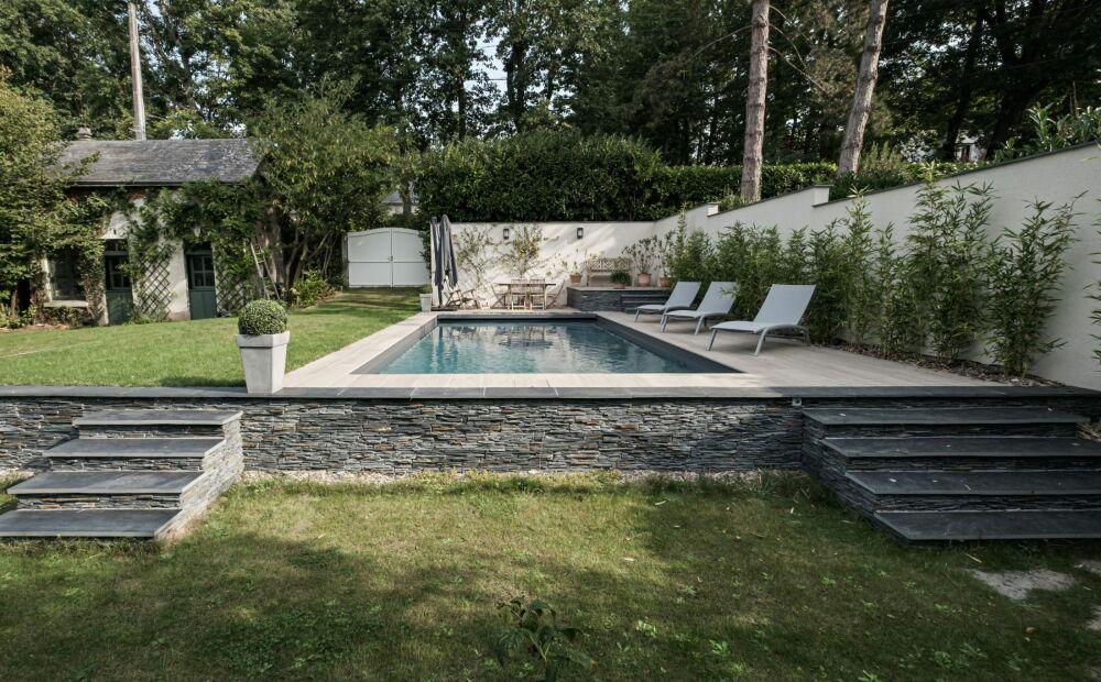 Piscine familiale de forme angulaire de moins de 40m² - Trophée Argent ex-aequo© Piscines de France Angers