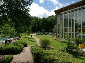 L'extérieur de la piscine Felsland Badeparadies & Saunawelt à Dahn