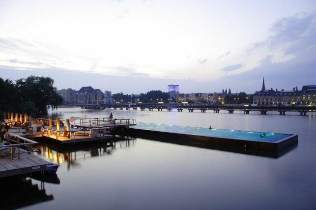 Piscine flottante à Berlin : le Badeschiff