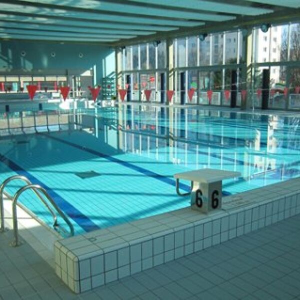 Stade nautique youri gagarine villejuif horaires tarifs et photos guide for Piscine youri gagarine