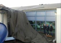 Le toit de la piscine Goëlys s'est envolé