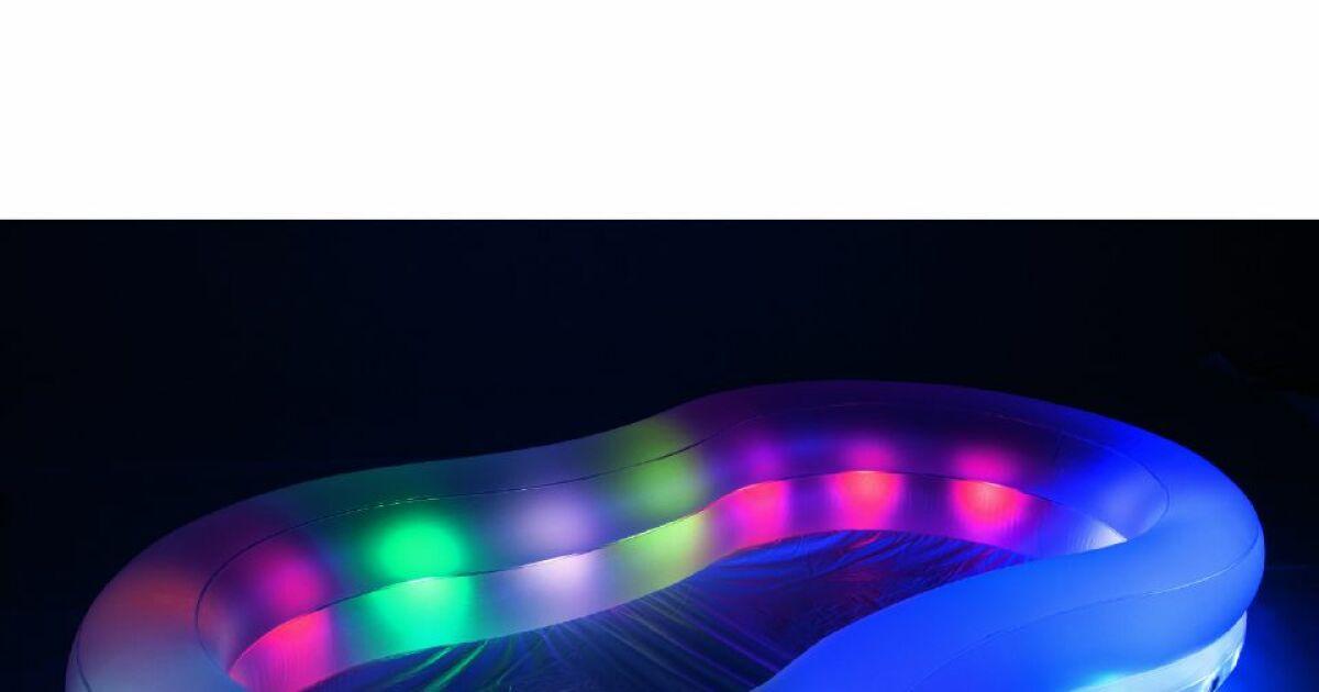 Piscine lumineuse bestway for Piscine gonflable bestway
