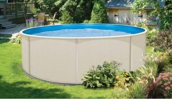 """Un piscine hors sol en acier sera plus durable qu'une piscine gonflable.<span class=""""normal italic petit"""">© A.Z Piscine</span>"""