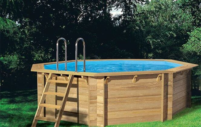 "Piscine hors sol en bois ""Woodfirst"" octogonale © Piscine-center"