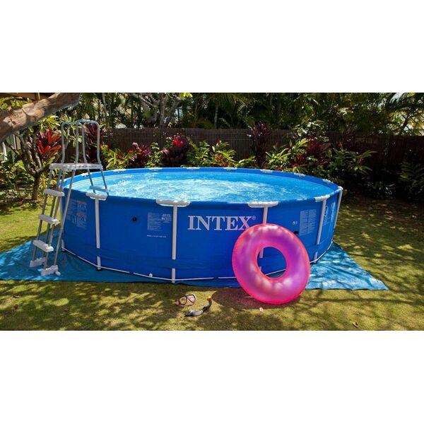La piscine tubulaire une piscine hors sol vendue en kit for Prix piscine demontable
