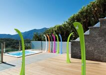 Piscine Innovations : Poolstar s'illustre avec sa douche solaire Cobra
