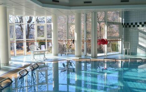 Centre de remise en forme spa source d 39 equilibre for Tarif piscine riom