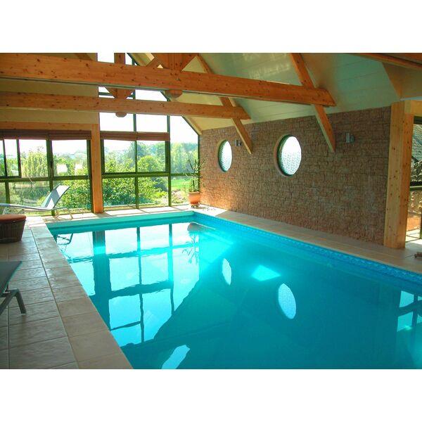 La piscine int rieure par l 39 esprit piscine - Piscine interieure maison prix ...