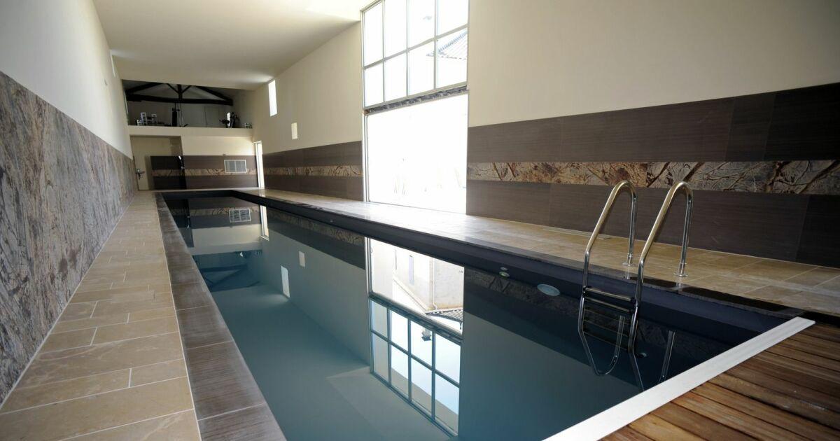 piscine int rieure couloir de nage piscines de france. Black Bedroom Furniture Sets. Home Design Ideas