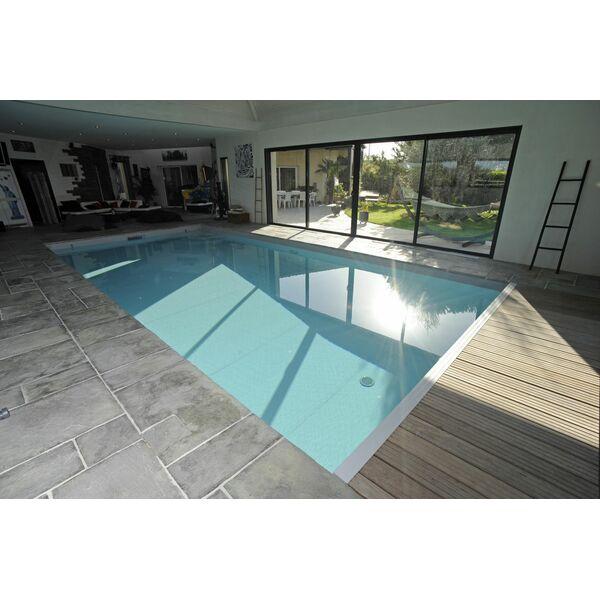 Piscine int rieure rectangulaire piscines de france for Piscine rectangulaire 2x3