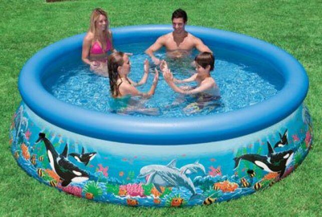 Intex est une marque reconnue de piscine autoportante.