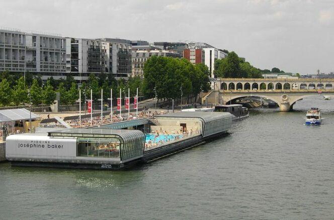 Piscine Joséphine Baker à Paris