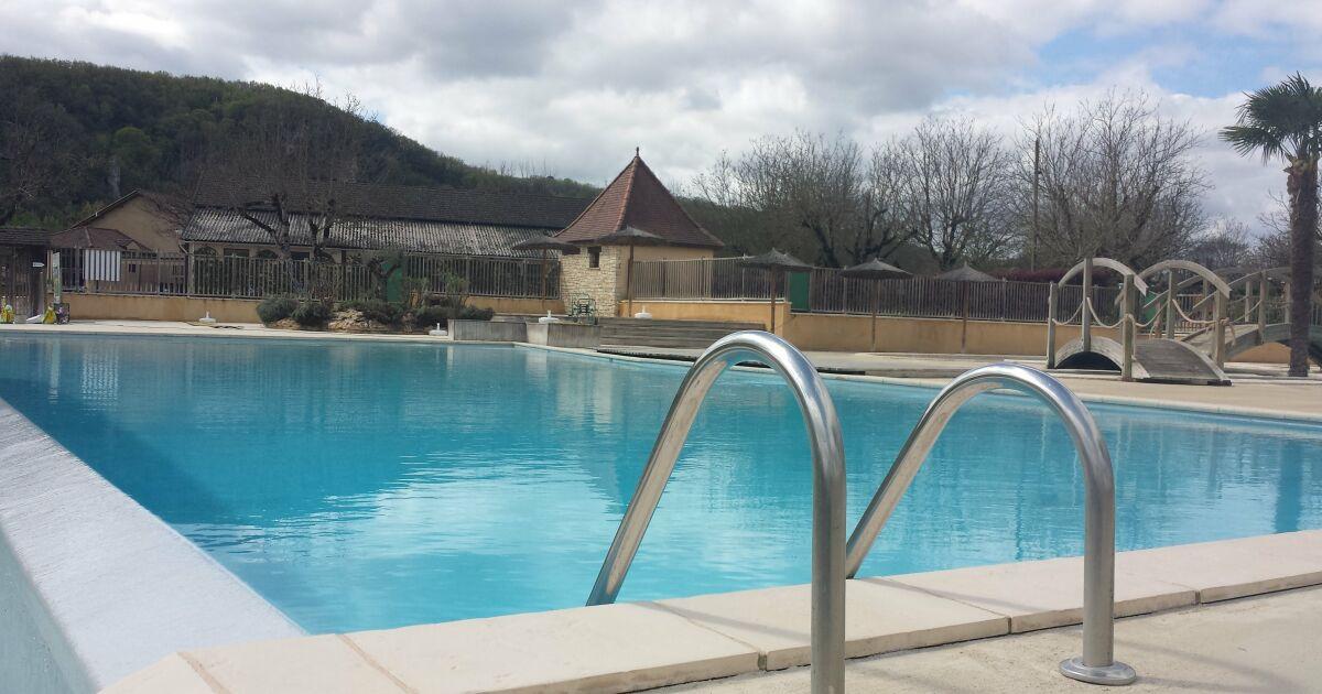 Piscine k m terrasson lavilledieu pisciniste for Construction piscine municipale