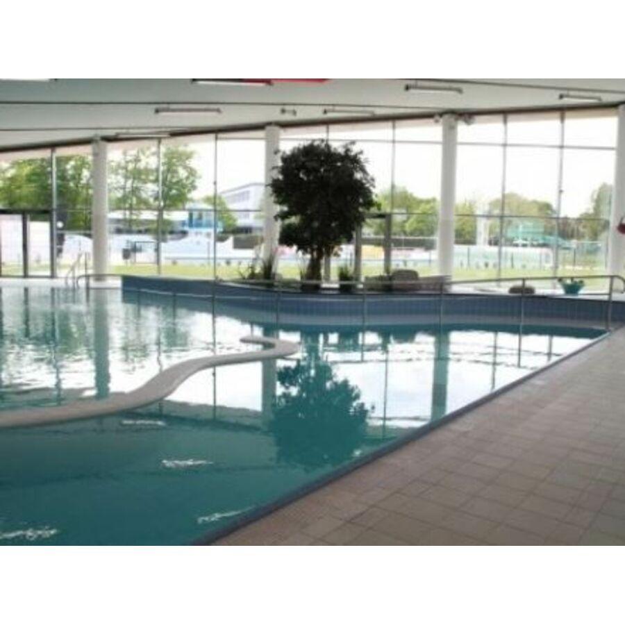 piscine la baleine bleue st barthelemy d 39 anjou horaires tarifs et t l phone. Black Bedroom Furniture Sets. Home Design Ideas