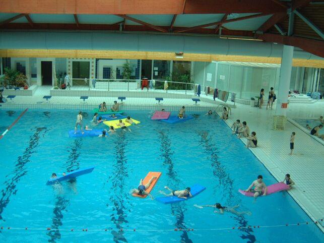 Le bassin de natation de la piscine Cap'Orne à l'Aigle