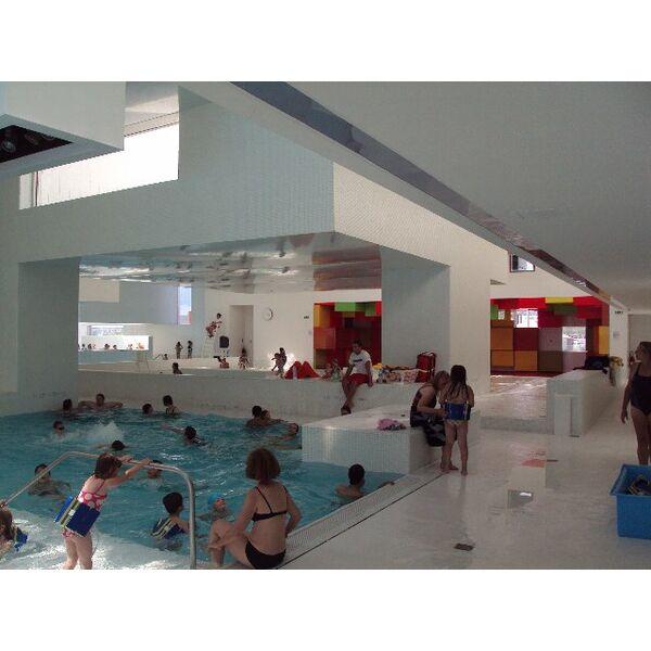 piscine les bains des docks au havre horaires tarifs et t l phone. Black Bedroom Furniture Sets. Home Design Ideas