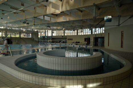Piscine les Dauphins à Grenoble : la rivière circulaire