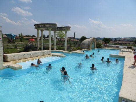 """Lud'o Parc à Nerac : une piscine pour petits et grands.<span class=""""normal italic petit"""">© Cathy Montaut - La Depeche</span>"""