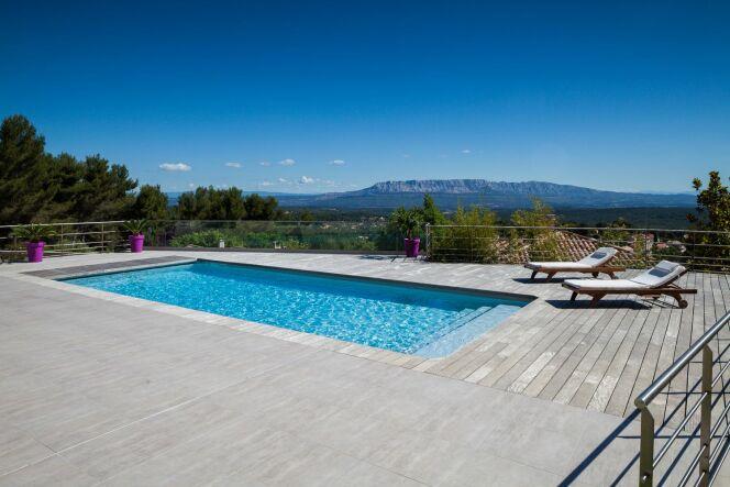 Piscine Magiline, réalisée par l'agence Blue Dream d'Aix en Provence