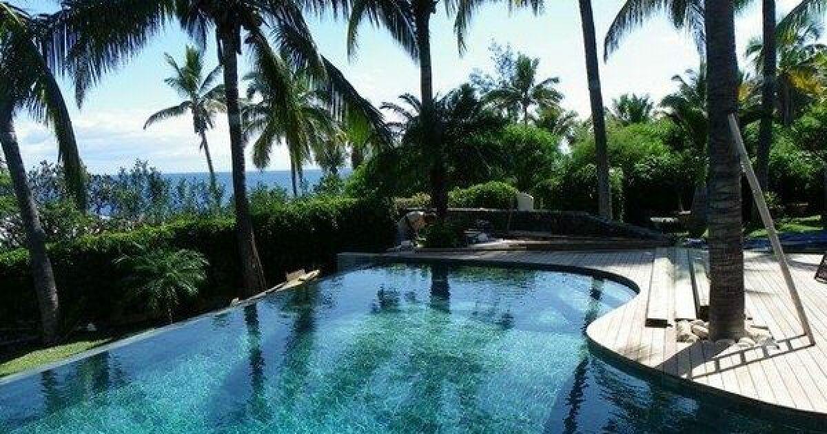 Reportage photos piscines de luxe et d 39 exception for Constructeur piscine 17